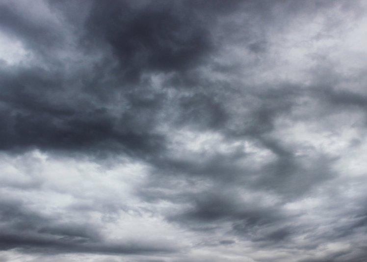 stormy_sky_01_by_the_night_bird-d59j0tn
